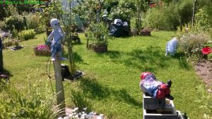 Alien und Gartenzwerg